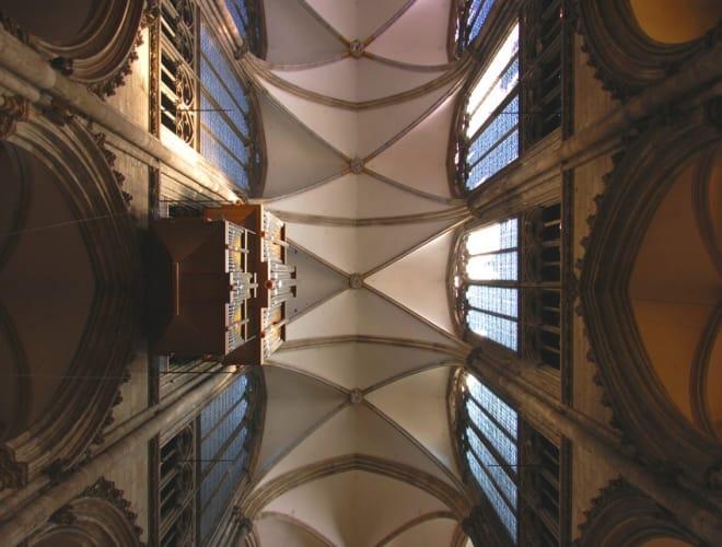 Die fantastischen Gewölbe des Kölner Doms               Foto© leiana - Fotolia.com