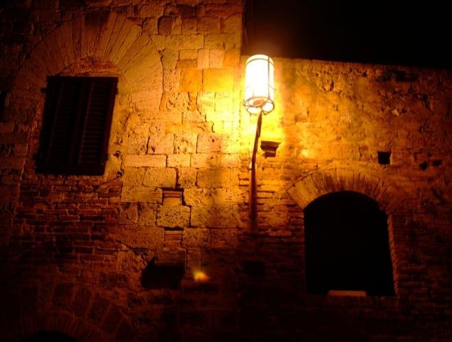 Mit dem Nachtwächter durchs nächtliche Köln