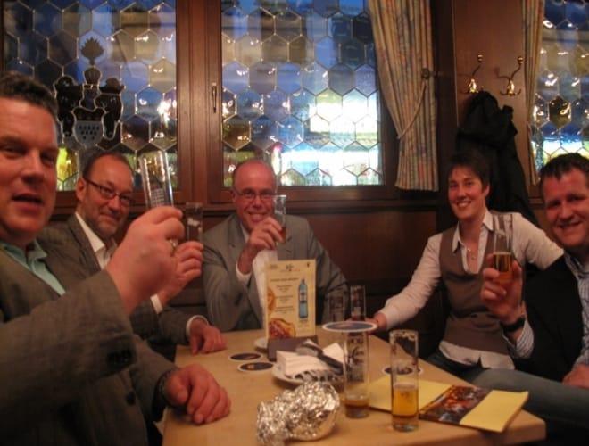 Lecker Kölsch und nette Gäste auf unserer Brauhaustour durch Köln