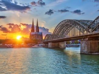 Kölner Skyline                                  Foto© sborisov - Fotolia.com