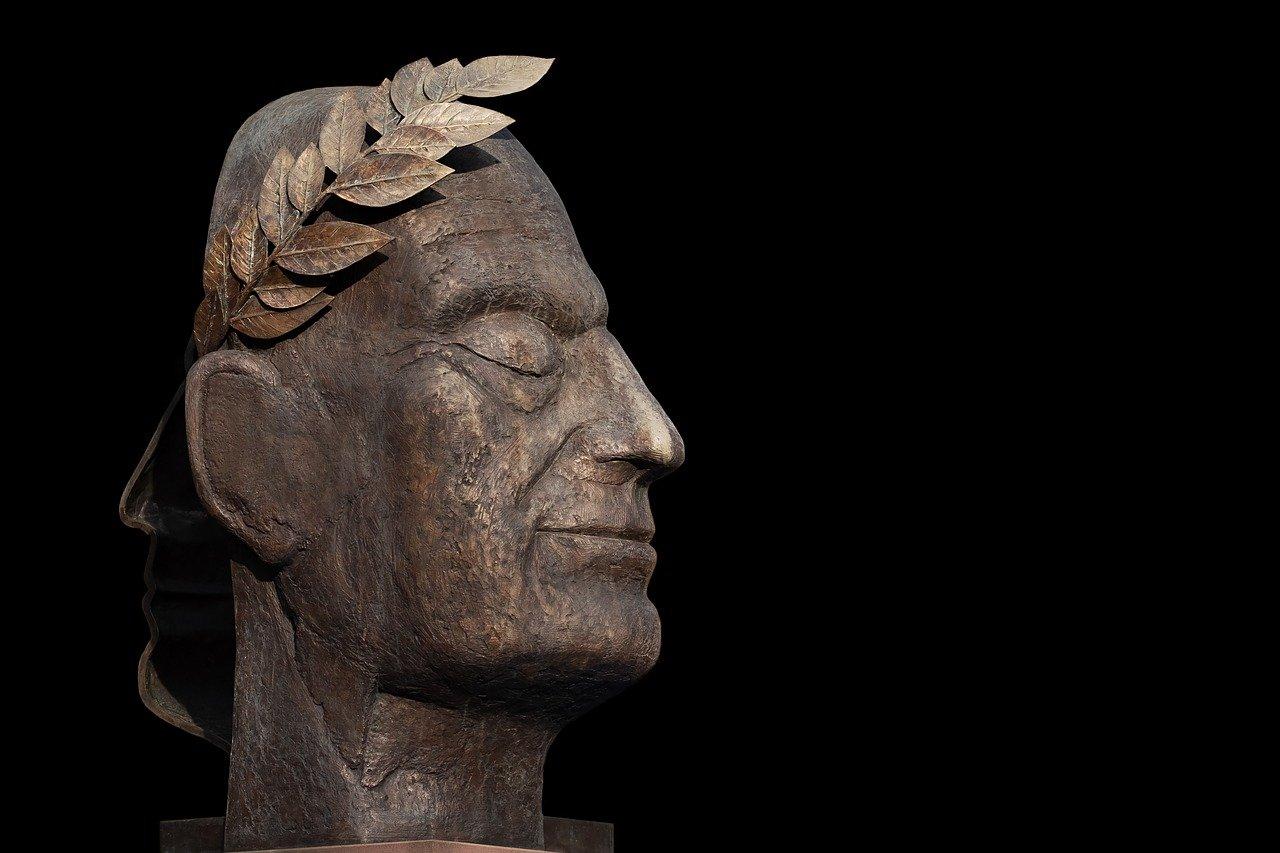 Cäsar Skulptur