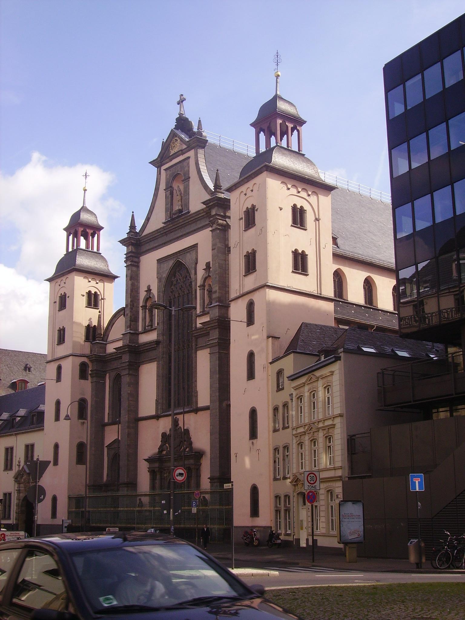 Eingang St. Mariä Himmelfahrt Kirche Marzellenstraße 32, 50668 Köln